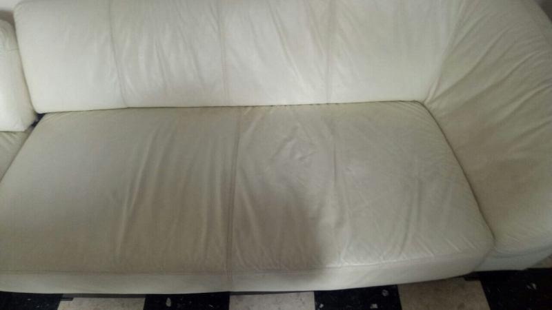 ניקוי ספה לבנה מוכתמת