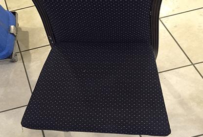 כיסאות בד אחרי ניקוי