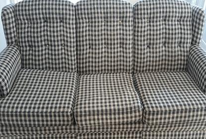 ספה משובצת נקייה