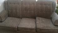 ספה משובצת לפני ניקוי