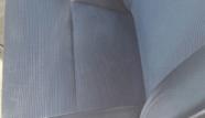 מושב של רכב לאחר ניקוי