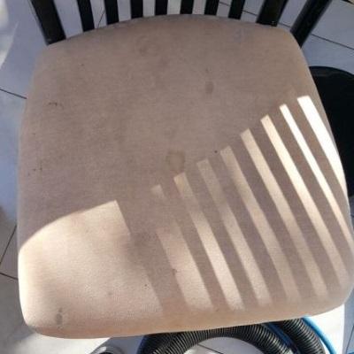 ניקוי כיסאות בד