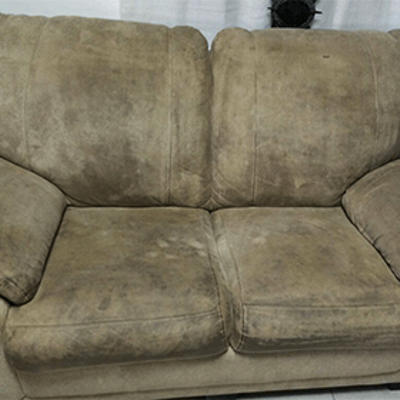 ספה לפני ניקוי